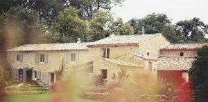 Guest house in Provence for a more affordable price.