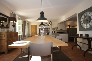 Our kitchen in this beautiful mas, where you can enjoy coffee and sunshine...